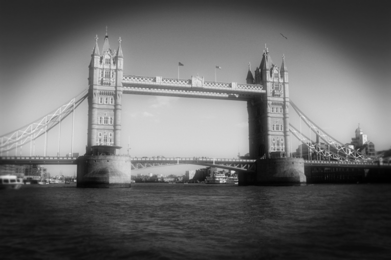 londonbridge_pinhole